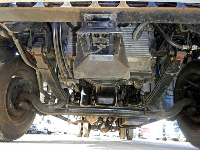 三菱 ファイター 中型 クレーン付 床鉄板 アルミブロック|フロントガラス トラック 画像 トラック王国掲載