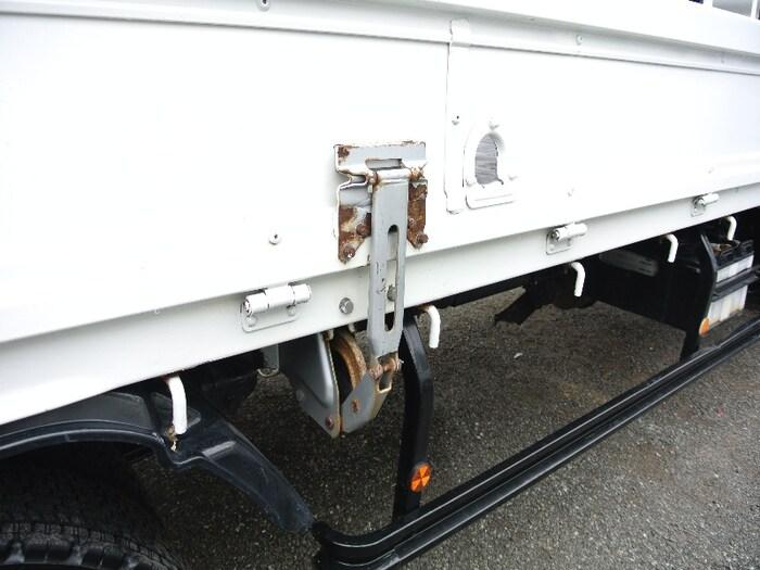日野 レンジャー 中型 クレーン付 4段 ラジコン|フロントガラス トラック 画像 トラック王国掲載