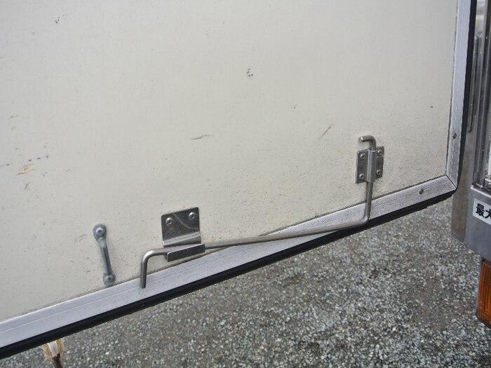 いすゞ エルフ 小型 冷凍冷蔵 保冷 PB-NKR81AN 荷台 床の状態 トラック 画像 トラックサミット掲載