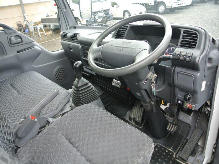 いすゞ エルフ 小型 冷凍冷蔵 保冷 PB-NKR81AN 走行距離 9.1万km トラック 画像 トラックランド掲載