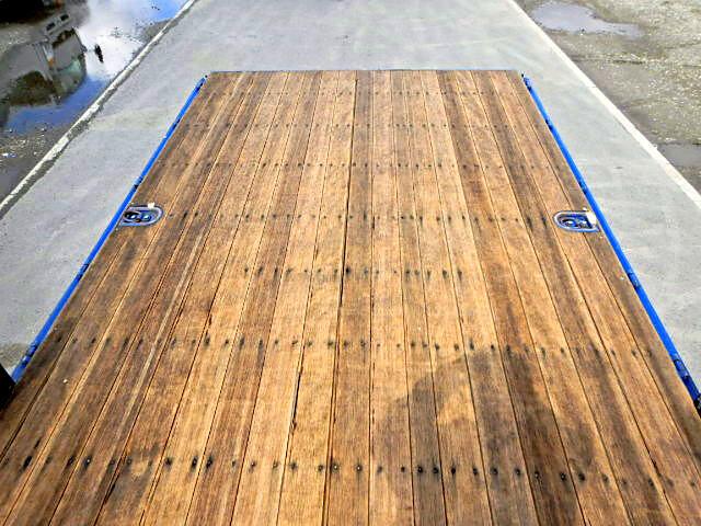 日野 レンジャー 中型 平ボディ 床鉄板 ベッド|型式 BDG-FD7JJWA トラック 画像 栗山自動車掲載