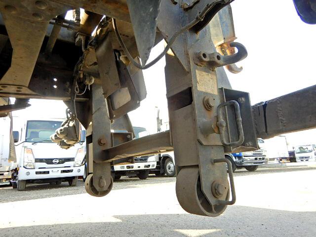 三菱 ファイター 中型 アームロール ツインホイスト ベッド|運転席 トラック 画像 トラック王国掲載