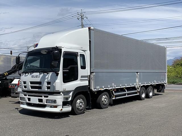 いすゞ ギガ 大型 ウイング エアサス ベッド|トラック 左前画像 トラックバンク掲載