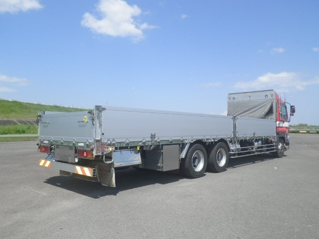 いすゞ ギガ 大型 平ボディ アルミブロック エアサス|トラック 右後画像 リトラス掲載