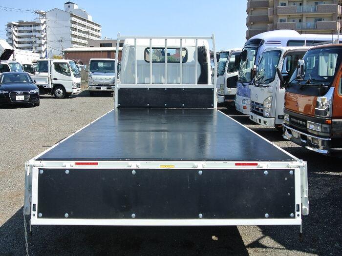 三菱 キャンター 小型 平ボディ 床鉄板 2PG-FEB50 フロントガラス トラック 画像 トラック王国掲載