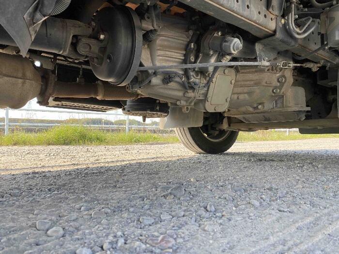 日産 アトラス 小型 平ボディ パワーゲート SKG-TZ3F24 荷台 床の状態 トラック 画像 トラックサミット掲載