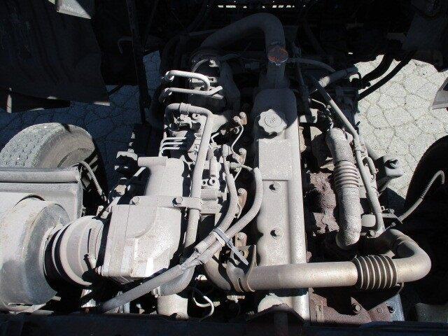 日産UD コンドル 中型 平ボディ KK-MK21A H15|運転席 トラック 画像 トラック王国掲載