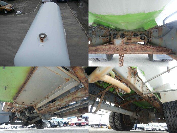 日野 レンジャー 中型 タンク車 ローリー BDG-GX7JKWA 荷台 床の状態 トラック 画像 トラックサミット掲載