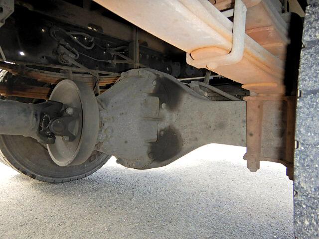 日産UD コンドル 中型 平ボディ 床鉄板 ベッド|タイヤ トラック 画像 トラック市掲載