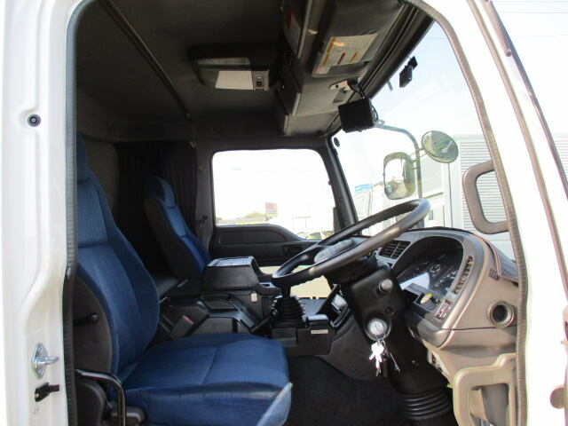 いすゞ ギガ 大型 ウイング パワーゲート ハイルーフ|エンジン トラック 画像 トラスキー掲載