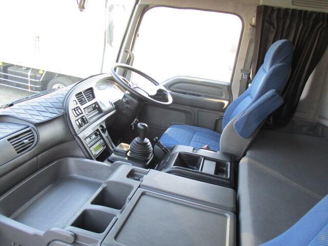 いすゞ ギガ 大型 ウイング パワーゲート ハイルーフ|走行距離 36.2万km トラック 画像 トラックランド掲載