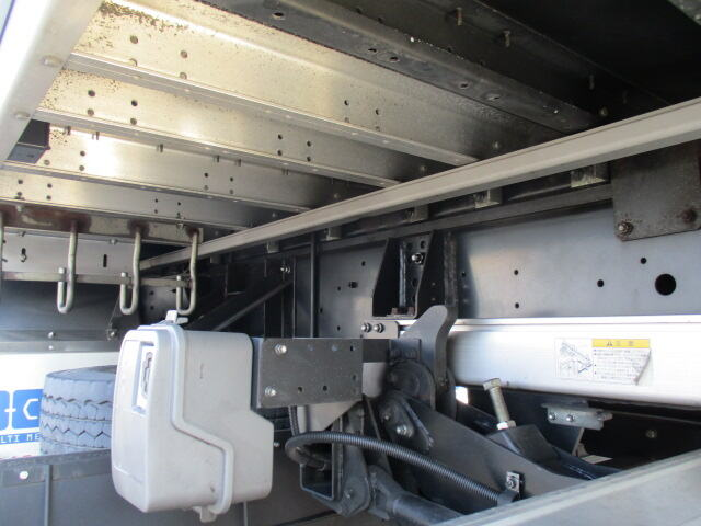 いすゞ ギガ 大型 ウイング パワーゲート ハイルーフ|シャーシ トラック 画像 キントラ掲載