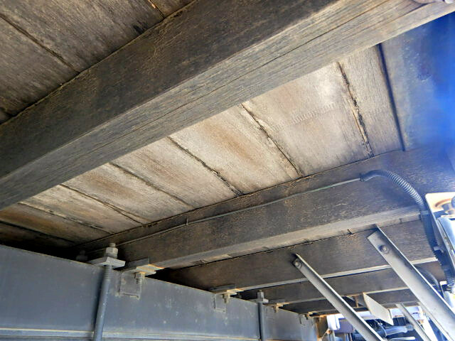 いすゞ フォワード 中型 クレーン付 床鉄板 アルミブロック 画像9