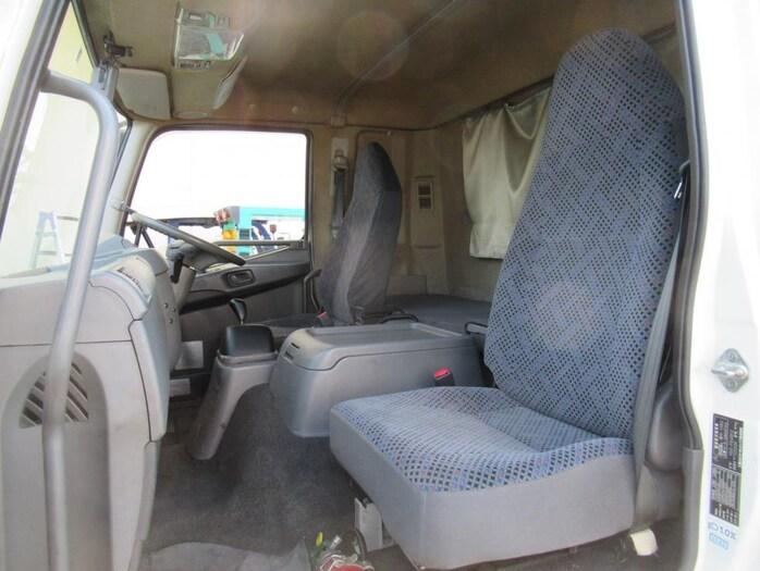 三菱 ファイター 中型 ウイング エアサス ベッド|駆動方式 4x2 トラック 画像 リトラス掲載