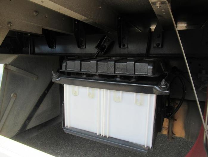 三菱 ファイター 中型 ウイング エアサス ベッド|シャーシ トラック 画像 キントラ掲載