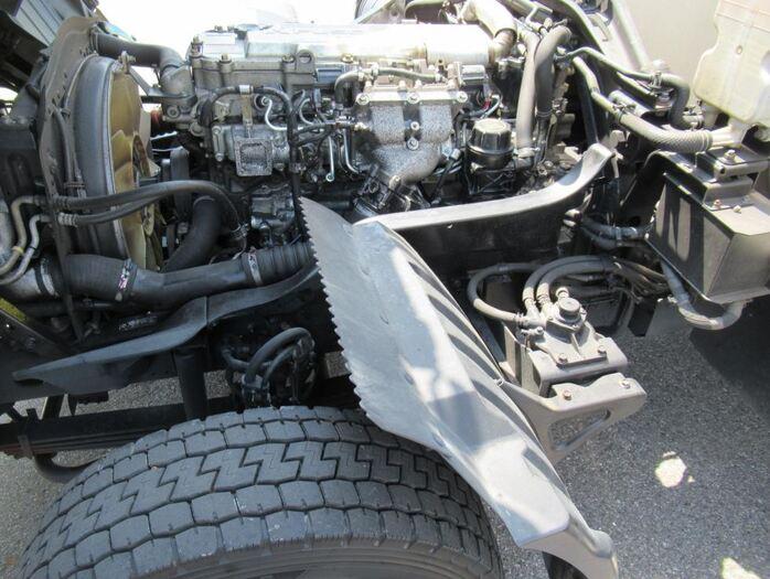 三菱 ファイター 中型 ウイング エアサス ベッド|荷台 床の状態 トラック 画像 トラックサミット掲載