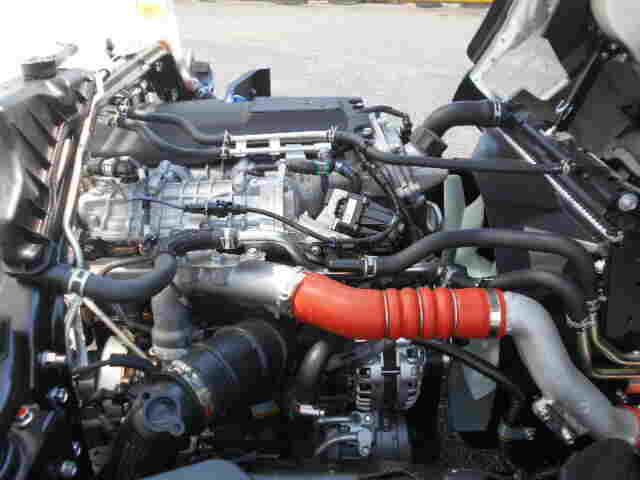 三菱 キャンター 小型 ウイング 2PG-FEB50 R2 タイヤ トラック 画像 トラック市掲載