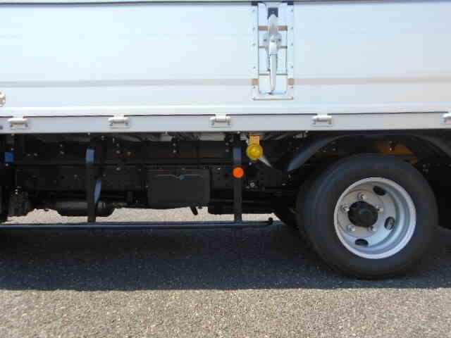 三菱 キャンター 小型 ウイング 2PG-FEB50 R2 馬力 150ps トラック 画像 トラックバンク掲載