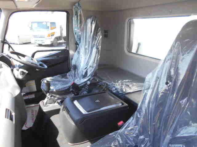 三菱 ファイター 中型 冷凍冷蔵 低温 スタンバイ|フロントガラス トラック 画像 トラック王国掲載