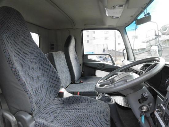 三菱 ファイター 中型 平ボディ ベッド PDG-FK62FZ|運転席 トラック 画像 トラック王国掲載