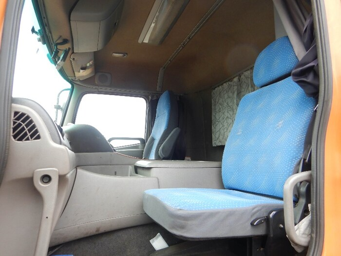 日産UD クオン 大型 平ボディ 床鉄板 アルミブロック|積載 13.8t トラック 画像 ステアリンク掲載