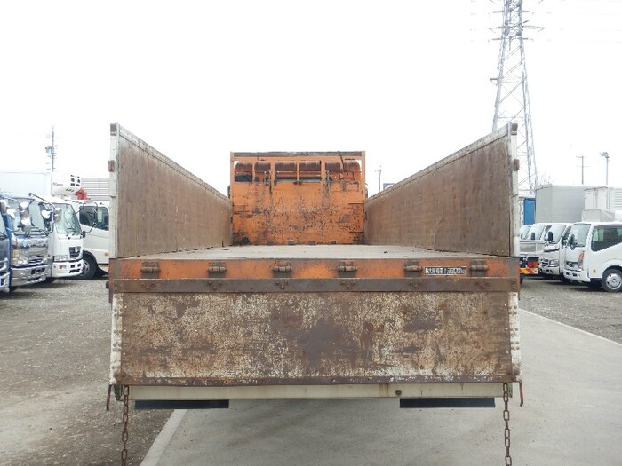 日産UD クオン 大型 平ボディ 床鉄板 アルミブロック|トラック 背面・荷台画像 トラック市掲載