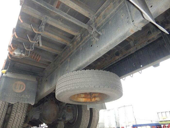 日産UD クオン 大型 平ボディ 床鉄板 アルミブロック|型式 ADG-CW4ZL トラック 画像 栗山自動車掲載