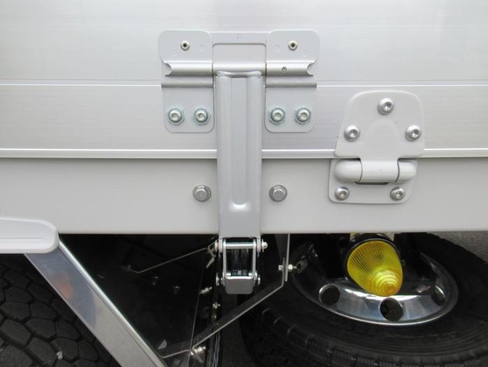 三菱 スーパーグレート 大型 ウイング ハイルーフ エアサス|フロントガラス トラック 画像 トラック王国掲載