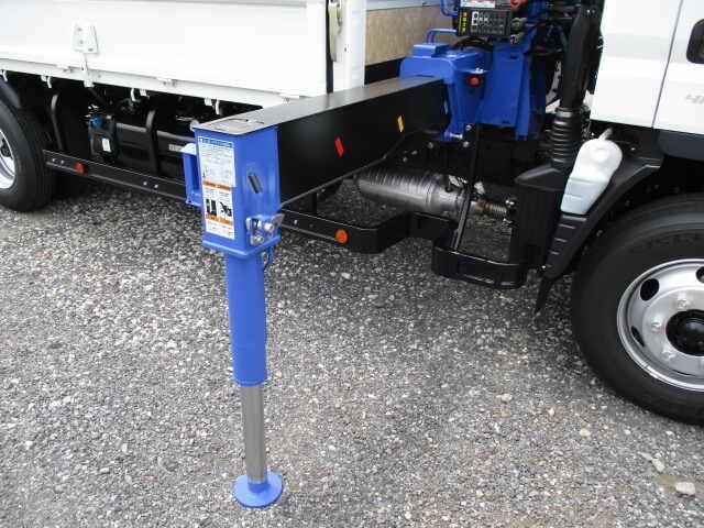 三菱 キャンター 小型 クレーン付 パワーゲート 4段|走行距離 - トラック 画像 トラックランド掲載
