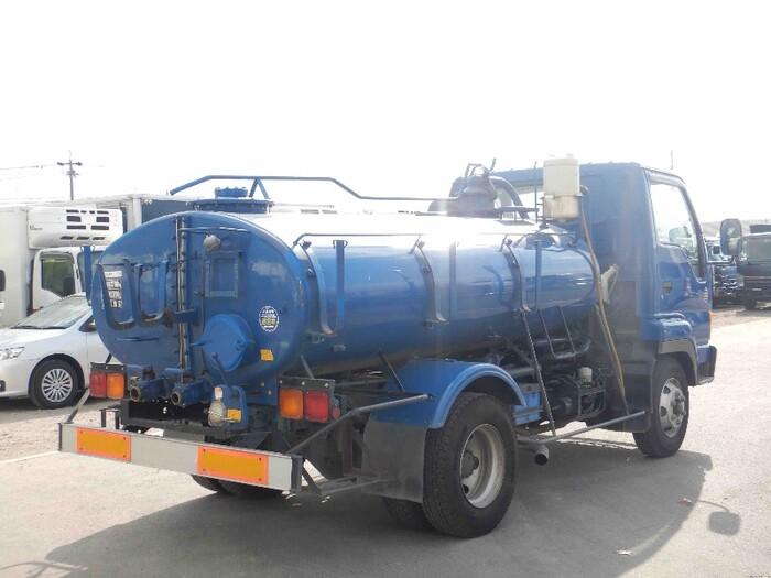 いすゞ フォワード 中型 タンク車 バキューム KK-NRR35C3|トラック 右後画像 リトラス掲載