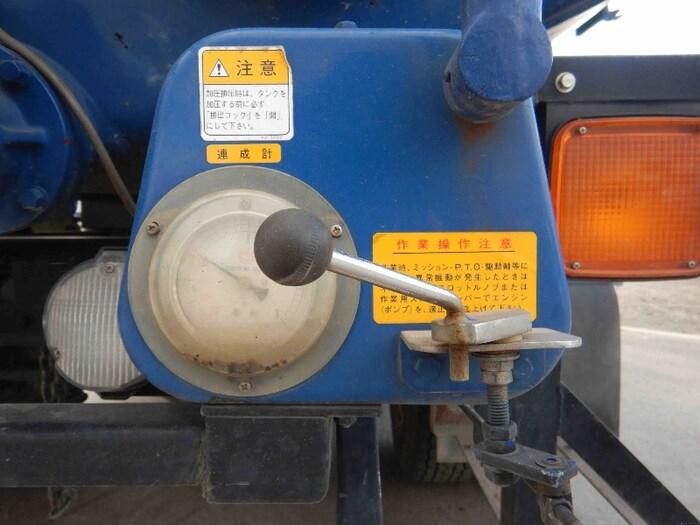 いすゞ フォワード 中型 タンク車 バキューム KK-NRR35C3|フロントガラス トラック 画像 トラック王国掲載