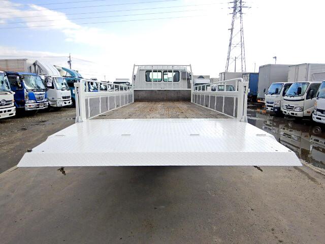 日野 レンジャー 中型 平ボディ パワーゲート ベッド|トラック 背面・荷台画像 トラック市掲載