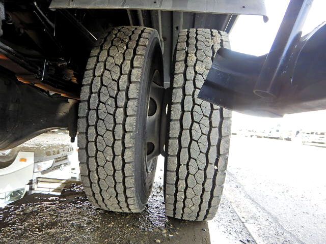 日野 レンジャー 中型 平ボディ パワーゲート ベッド|タイヤ トラック 画像 トラック市掲載