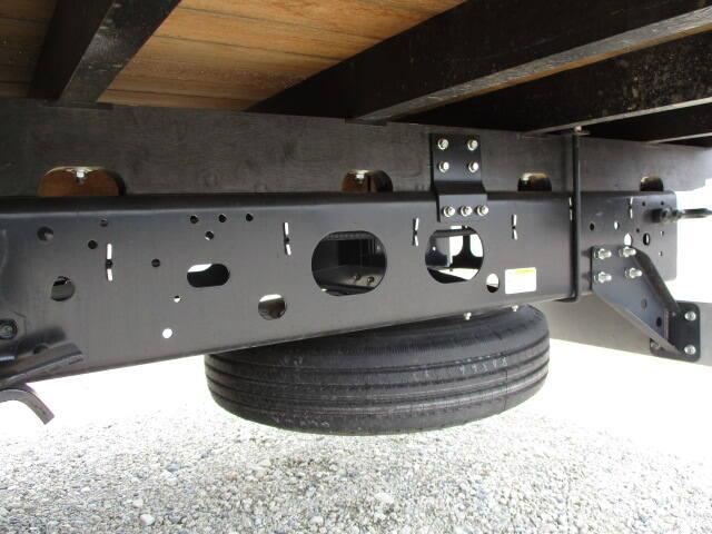 いすゞ フォワード 中型 クレーン付 4段 ラジコン|駆動方式 4x2 トラック 画像 リトラス掲載