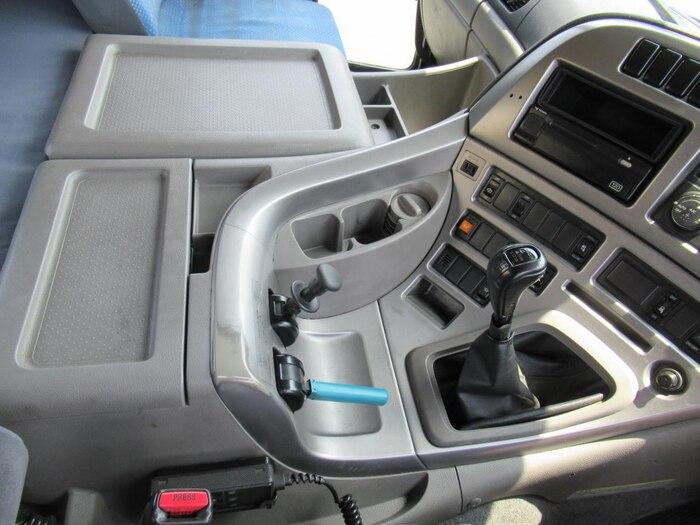 日産UD クオン 大型 トラクタ 1デフ エアサス 画像7