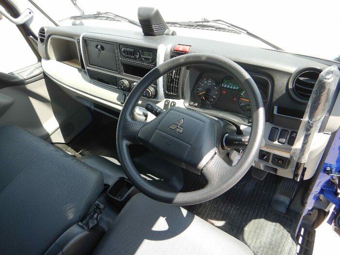 三菱 キャンター 小型 ダンプ 強化 TPG-FDA60|運転席 トラック 画像 トラック王国掲載