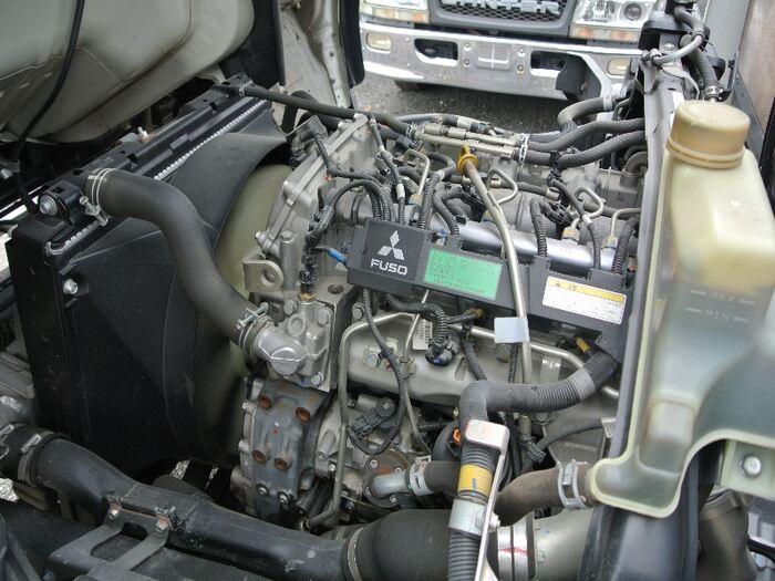 三菱 キャンター 小型 平ボディ TKG-FEB20 H27|フロントガラス トラック 画像 トラック王国掲載