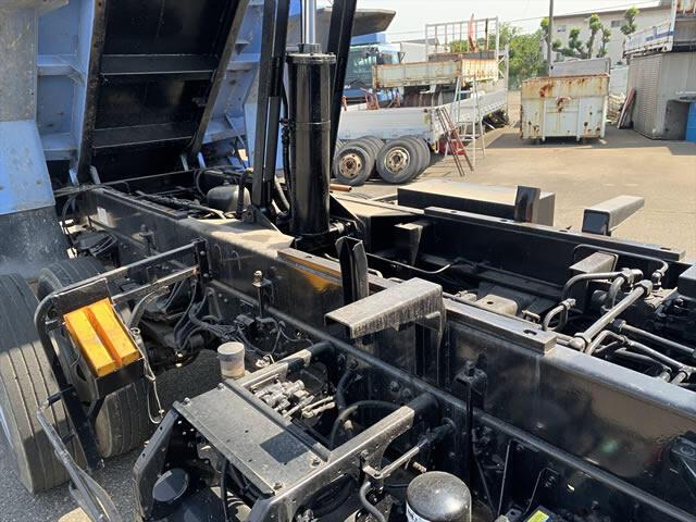 三菱 ファイター 中型 ダンプ 土砂禁 天蓋付き|荷台 床の状態 トラック 画像 トラックサミット掲載