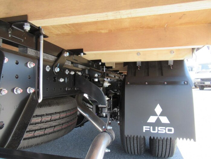 三菱 キャンター 小型 平ボディ 2PG-FEB50 |荷台 床の状態 トラック 画像 トラックサミット掲載
