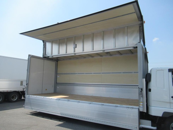三菱 ファイター 中型 ウイング ベッド 2KG-FK62F|走行距離 0.1万km トラック 画像 トラックランド掲載