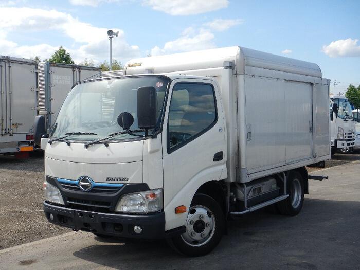 日野 デュトロ 小型 アルミバン ボトルカー サイドドア トラック 左前画像 トラックバンク掲載