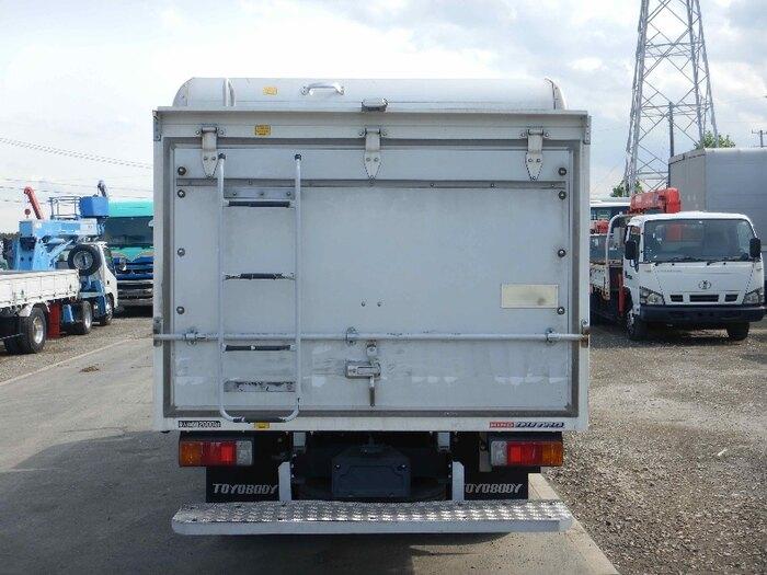 日野 デュトロ 小型 アルミバン ボトルカー サイドドア トラック 背面・荷台画像 トラック市掲載