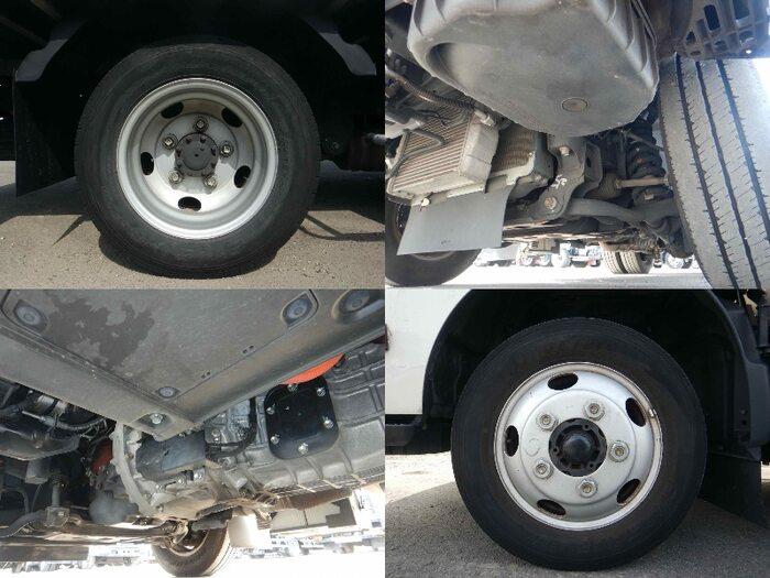 日野 デュトロ 小型 アルミバン ボトルカー サイドドア 運転席 トラック 画像 トラック王国掲載