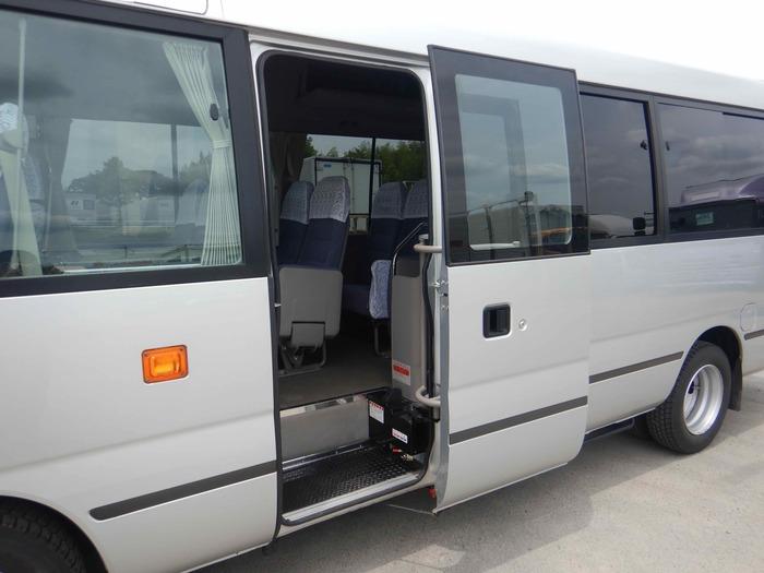 日野 リエッセ 小型 バス マイクロバス SDG-XZB51M|運転席 トラック 画像 トラック王国掲載
