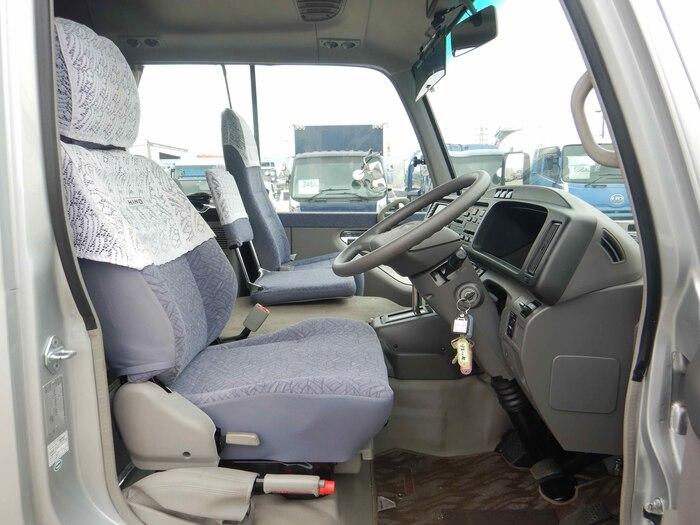 日野 リエッセ 小型 バス マイクロバス SDG-XZB51M|フロントガラス トラック 画像 トラック王国掲載