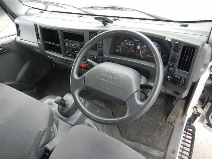 いすゞ エルフ 小型 平ボディ パワーゲート SKG-NMR85R 積載 2t トラック 画像 ステアリンク掲載