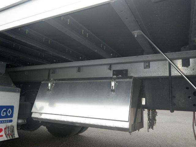 いすゞ フォワード 中型 ウイング エアサス ベッド 画像15