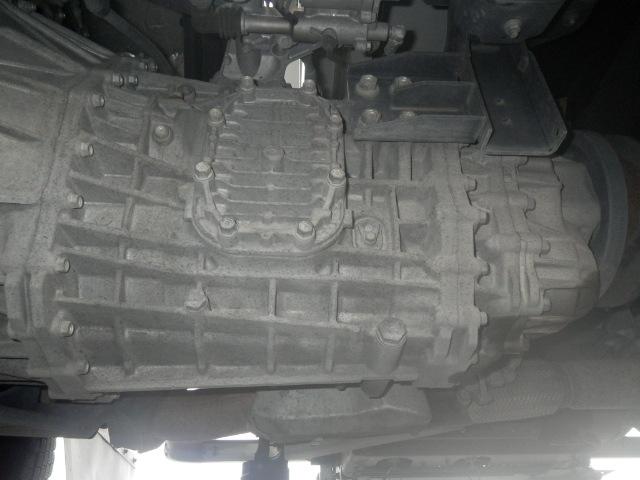 いすゞ フォワード 中型 ウイング エアサス ベッド 画像16