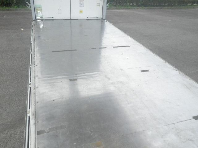 いすゞ フォワード 中型 ウイング エアサス ベッド 画像3