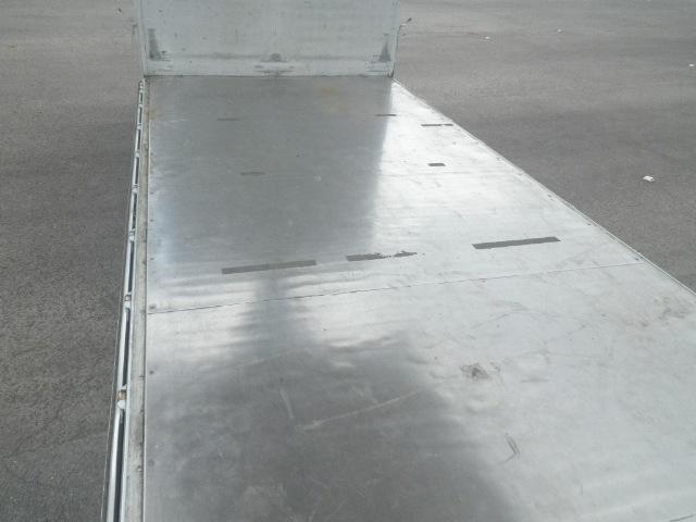 いすゞ フォワード 中型 ウイング エアサス ベッド 画像4